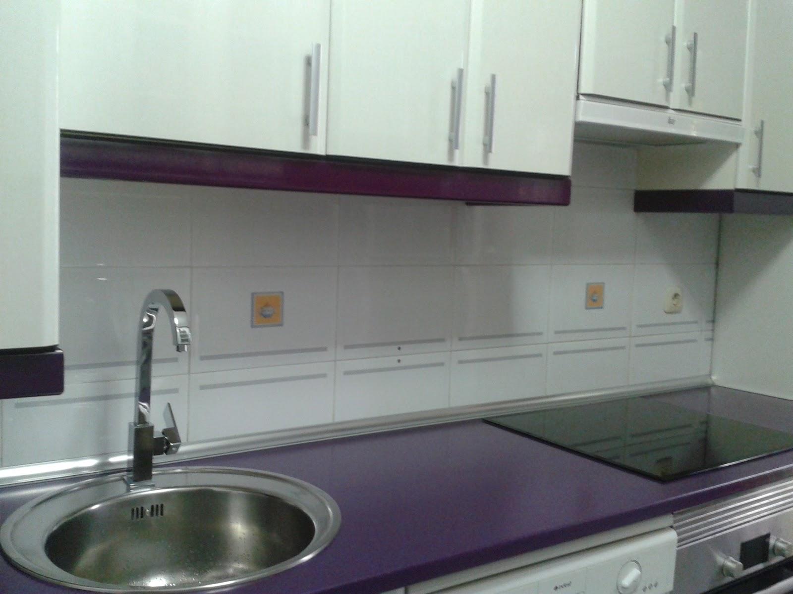 Arreglo cocina formica brillo remates y encimera for Remates de muebles de cocina