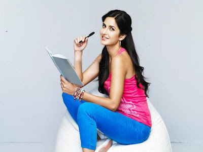 Katrina Kaif in Blue Leggings (Hot Pants), Young Bollywood Fashion