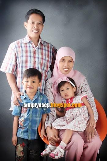 foto keluarga Asep Haryono