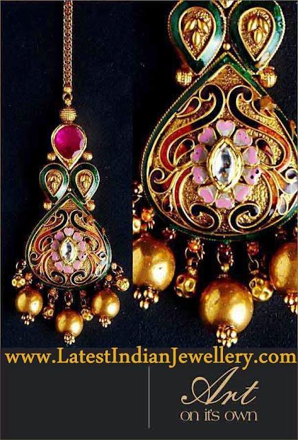Gold Kundan Tikka Design