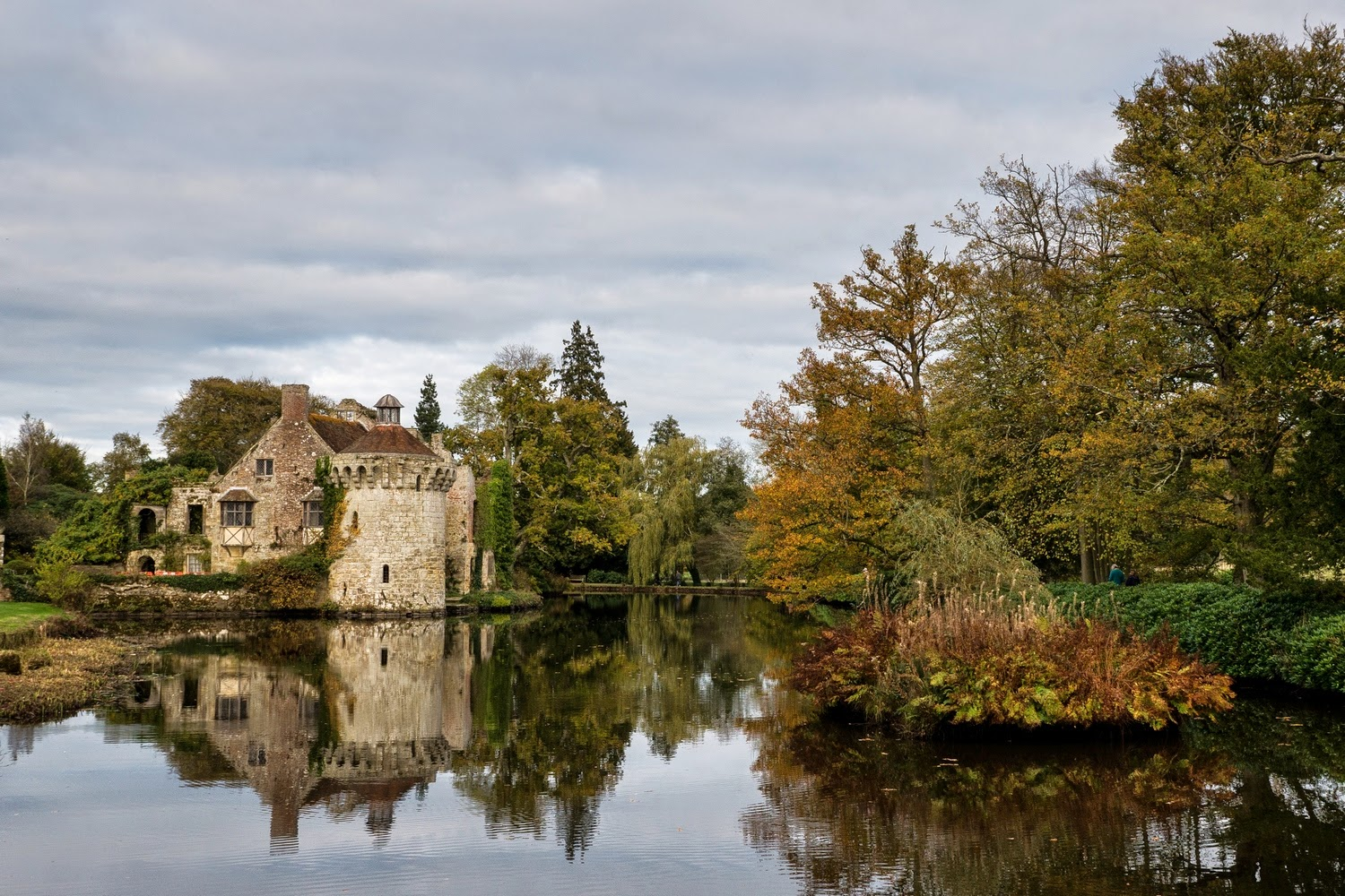 Michael Goodes: Scotney Castle Gardens in the Fall