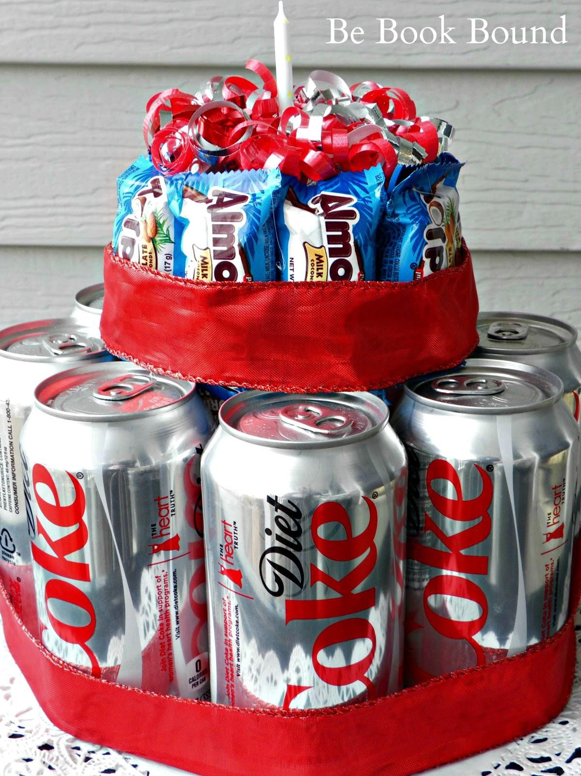 http://4.bp.blogspot.com/-UpjAZ6gjjtk/UCGhe6eUc4I/AAAAAAAABmE/5zsLcTdhzeI/s1600/Coke%20and%20Candybar%20Cake.jpg
