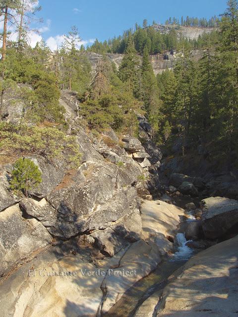Rio Merced en Mist Trail, Yosemite  por El Guisante Verde Project