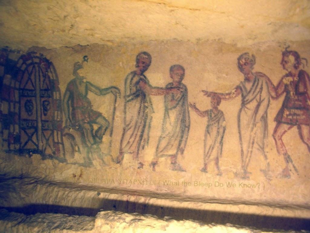 Charún φύλαγε την πύλη του Κάτω Κόσμου, ενώ Βανθ καθοδηγεί τον θανόντα στην πύλη. Τοιχογραφία. 3ο π.Χ. αιώνα. Τάφος 5636, Monterozzi Νεκρόπολη, Ταρκίνια, Ιταλία.