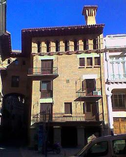 Centro Cultural Entrearcos y Casa Natal de San Josemaría en Barbastro (Somontano, Huesca, Aragón, España)