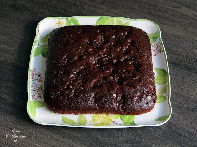 Bizcocho de yogur con cacao y pepitas de chocolate – Chocolate yogurt cake