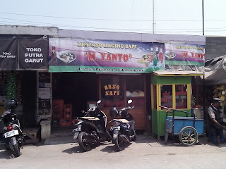 Bakso Paling Enak di Karawang Ya Baksonya Mang Yanto