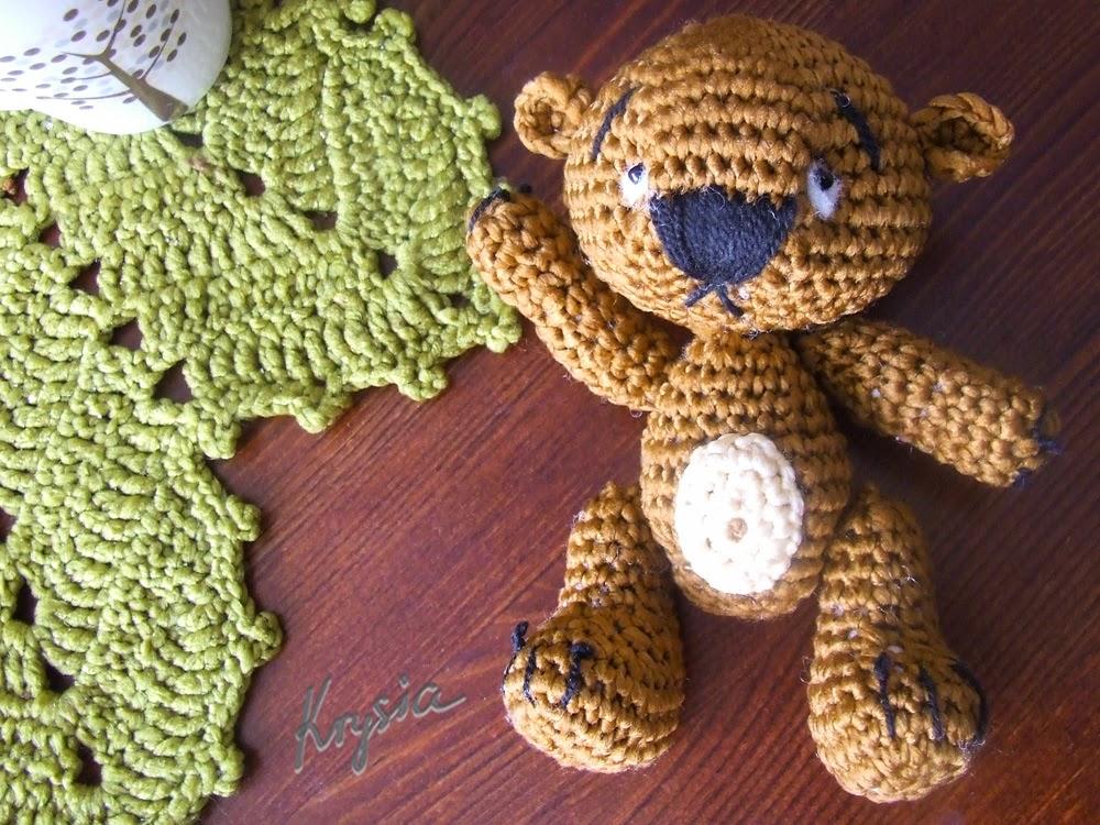 miś szydełkowy amigurumi crochet