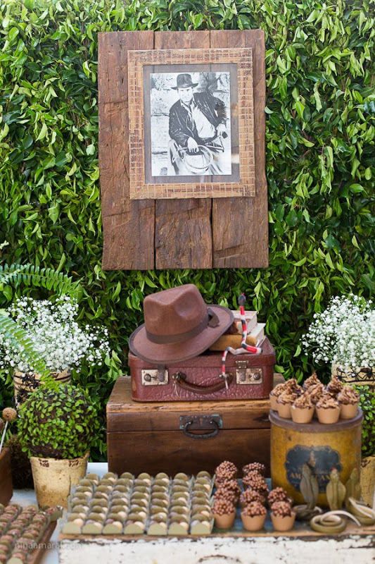 decoracao de interiores blumenau:VIA FLOR – Interiores: Festa Indiana Jones