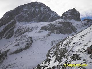 Guias de alta montaña para escalar la cara norte de Peña Ubiña , Guiasdelpicu.com