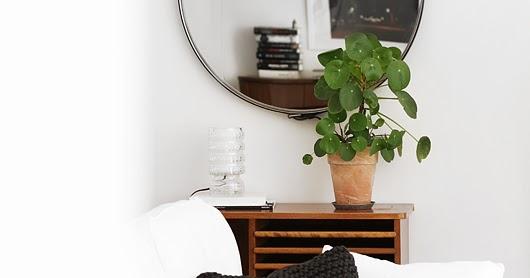 pieni ek fu nita. Black Bedroom Furniture Sets. Home Design Ideas