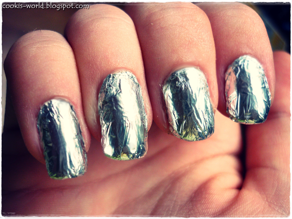 Cookis World Day 8 Metallic Nails