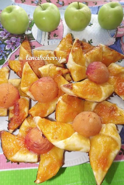 слойки абрикосы