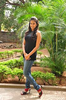 Chandini at kaalicharan premier show 010.jpg