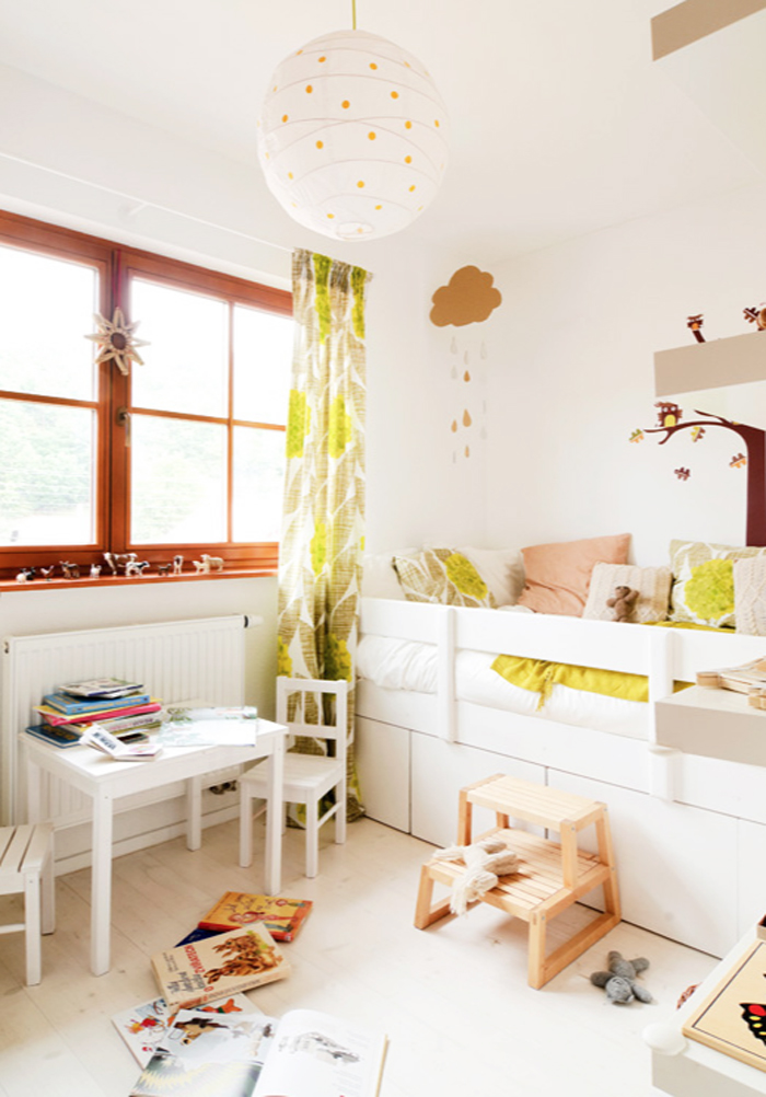 child room with a splash of colours