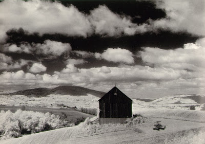 MINOR WHITE - Barn and Clouds