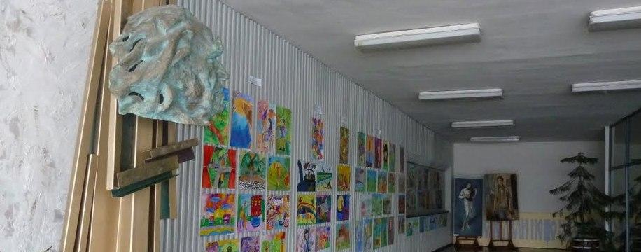 """Национална гимназия по пластични изкуства и дизайн """"Академик Дечко Узунов"""" - Казанлък"""