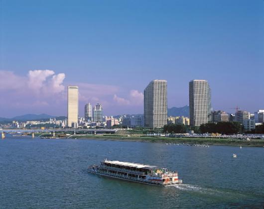 HANGANG RIVER  漢 江