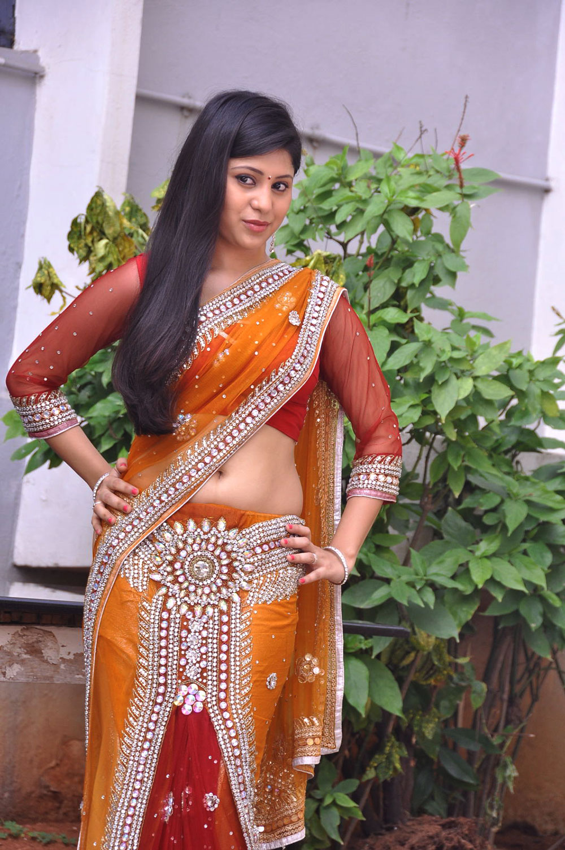hot and sweet Ziya khan hot photos in designer saree gallery