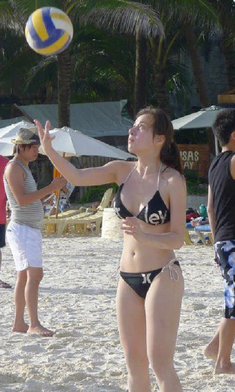 cristine reyes volleyball bikini photo 3