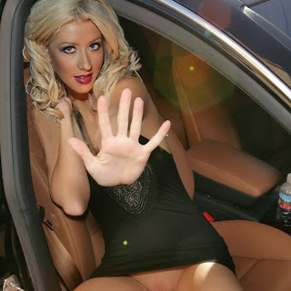 Christina Aguilera upskirt and show shaved pussy HQ