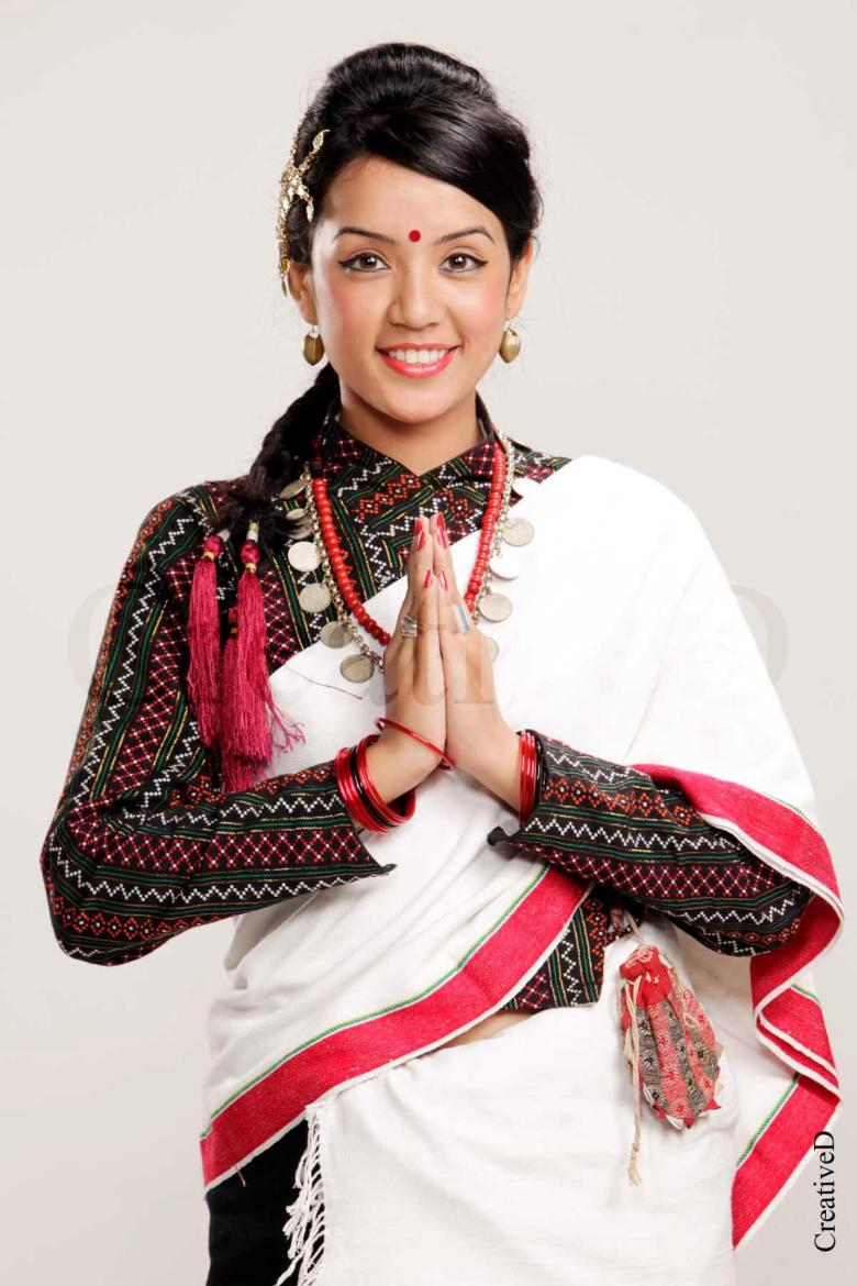 colori del Nepal: Traditional Nepali costumes