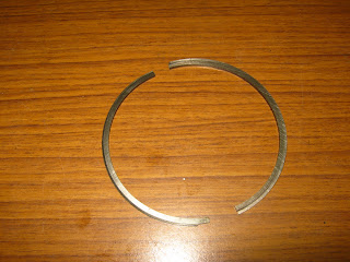 Broken piston ring Volvo 122s 0.030""