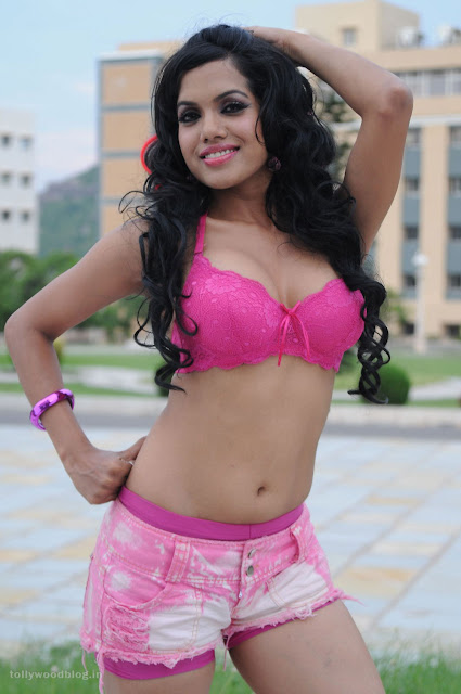 Vasool Raja movie item song hot stills