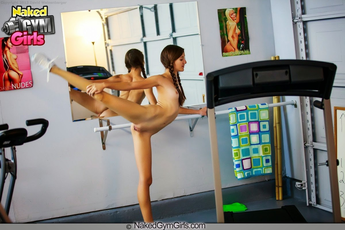 nked girl in y the gym