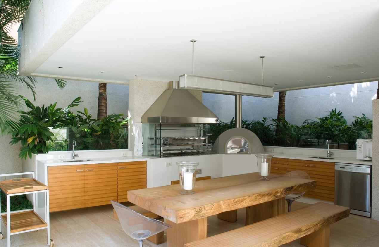 #9E6B2D palavras chaves: churrasqueira; área de churrasqueira; churrasco  1271x830 px projeto de quarto com banheiro e varanda