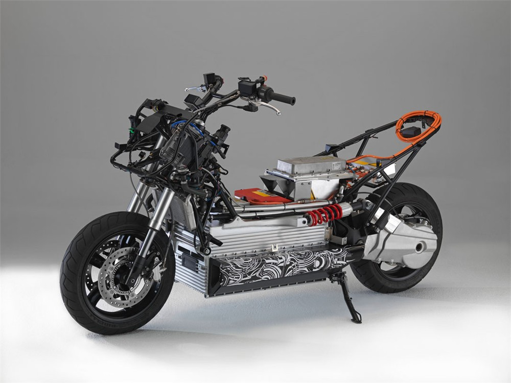 tilting vehicles blog electric motorcycles and scooters. Black Bedroom Furniture Sets. Home Design Ideas