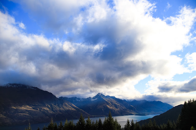 sun rays over Lake Wakatipu