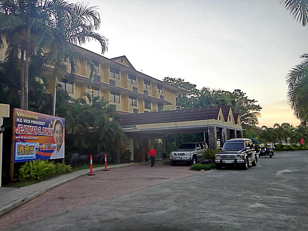 Calapan Philippines  city photo : ... TRAVEL: FILIPINIANA HOTEL, Calapan City, Oriental Mindoro Philippines