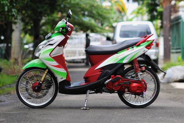 Foto Modifikasi Motor Yamaha Mio Sporty title=