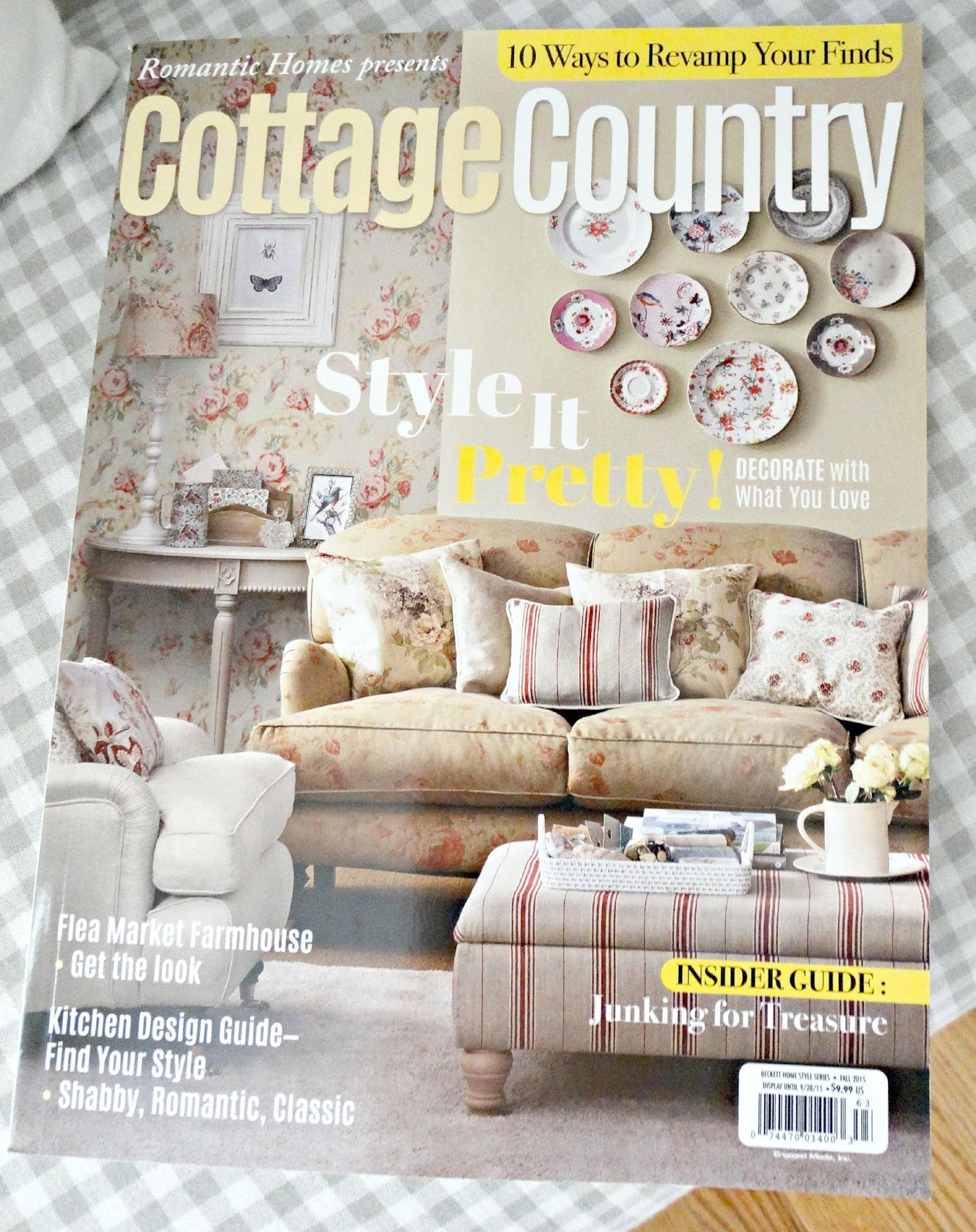 Junk chic cottage rh cottage country magazine road side for Country cottage magazine