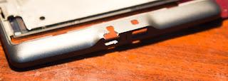 Amazon Kindle 4, Трещина возле кнопки