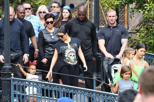 """Kanye West para Scott Disick: """"Os homens reais não abandonam sua família!"""""""