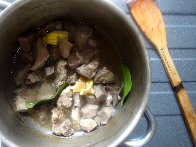 Semur Lidah Sapi (Indonesian Beef Tongue Stew with Sweet Soy Sauce) || homefoodstory.blogspot.com