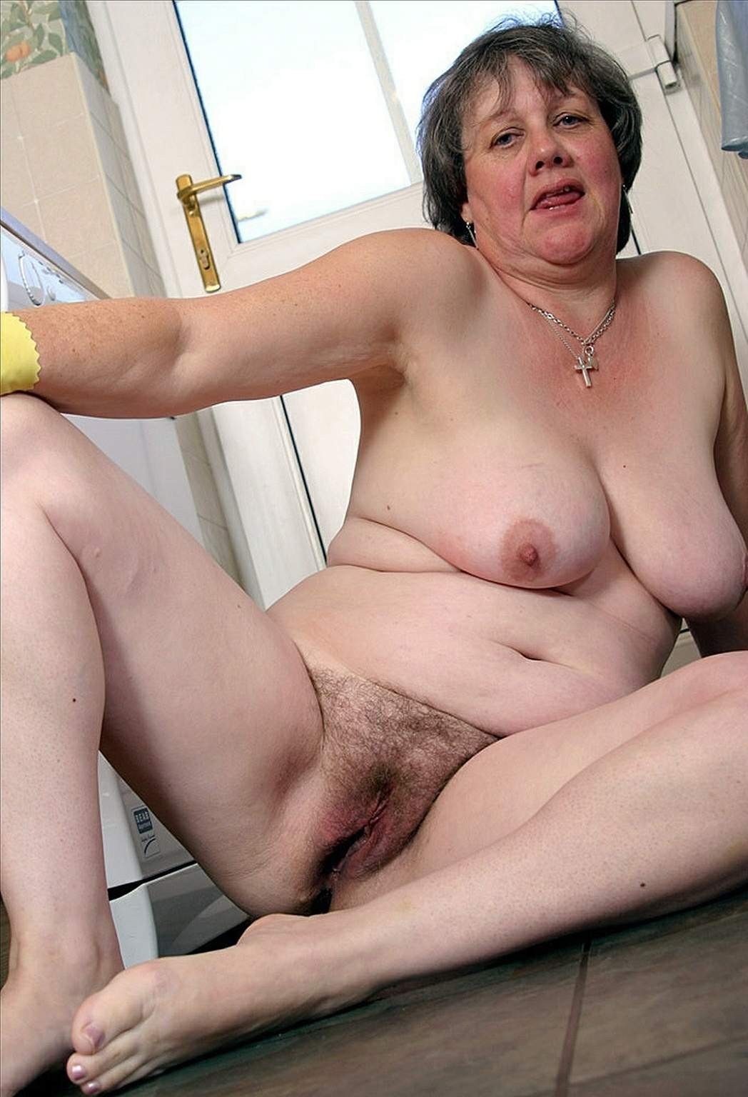 zrelie-golie-babushki-porno-foto