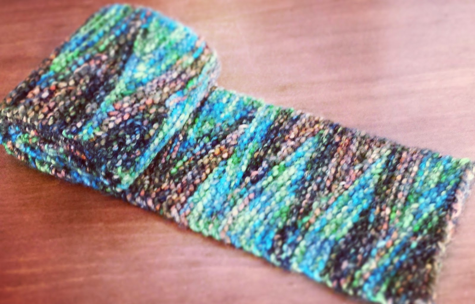 Short Row Scarf Knitting Pattern : Knitting and so on: Yet Another Short-Row Scarf