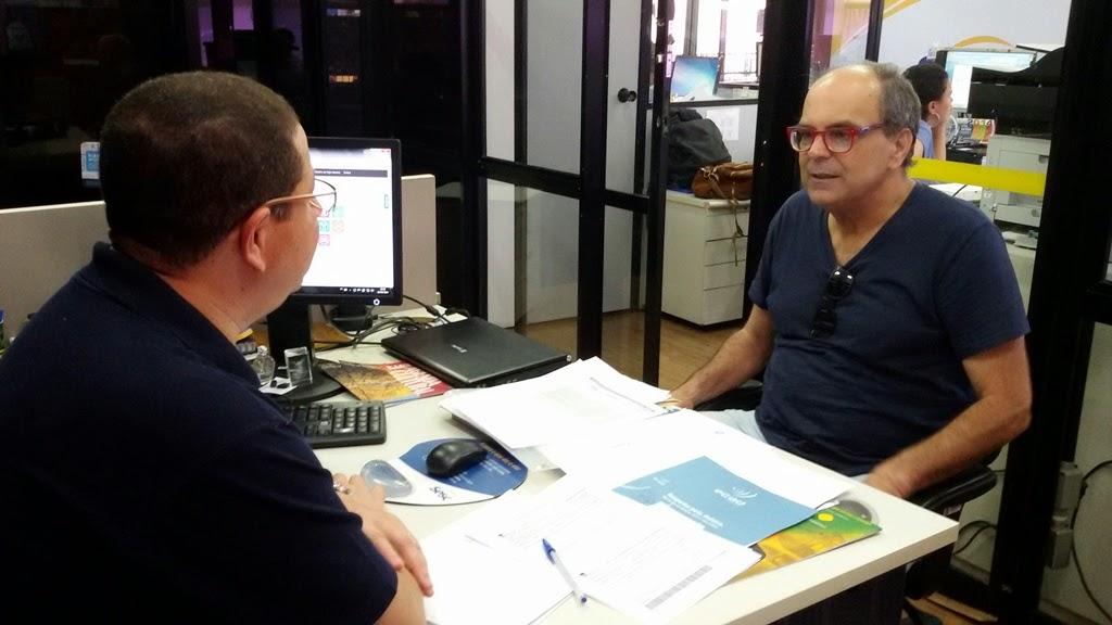 O secretário de Turismo Ronaldo Fialho e o gerente do Sesc Teresópolis, Eugênio Carlos conversam sobre novas parcerias para Teresópolis