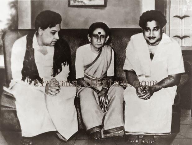 MGR with 'Nadigar Thilagam' Sivaji Ganesan & His Mother