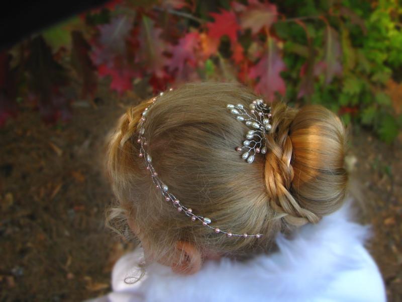 Ślubny wianek z perłami - pudrowy róż