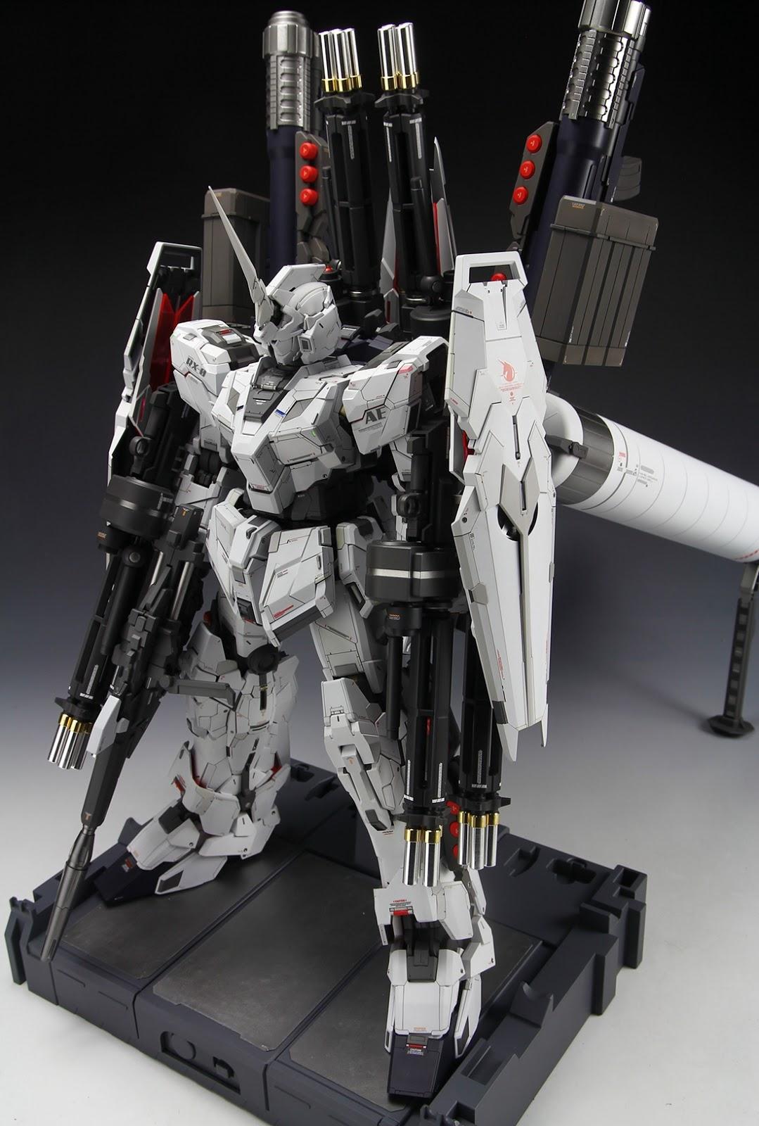 PG 1/60 Unicorn Gundam + Full Armor Part Set - Customized Build