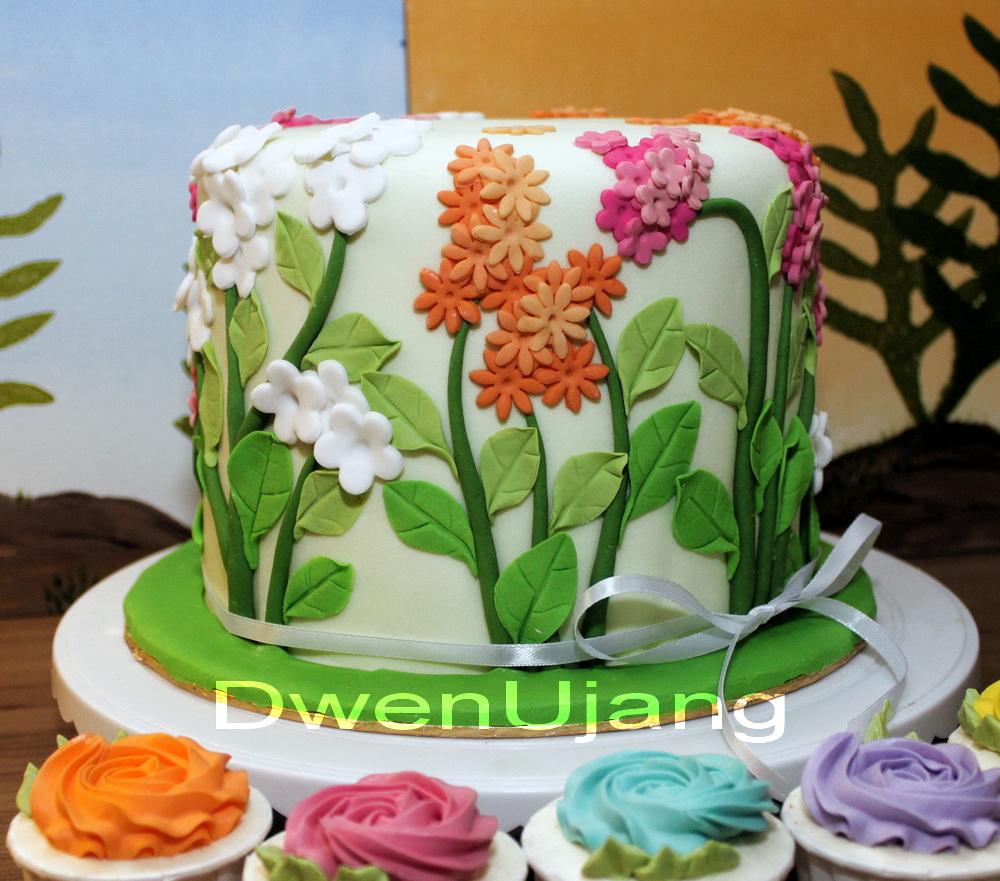 Flower And Garden Wedding Cake