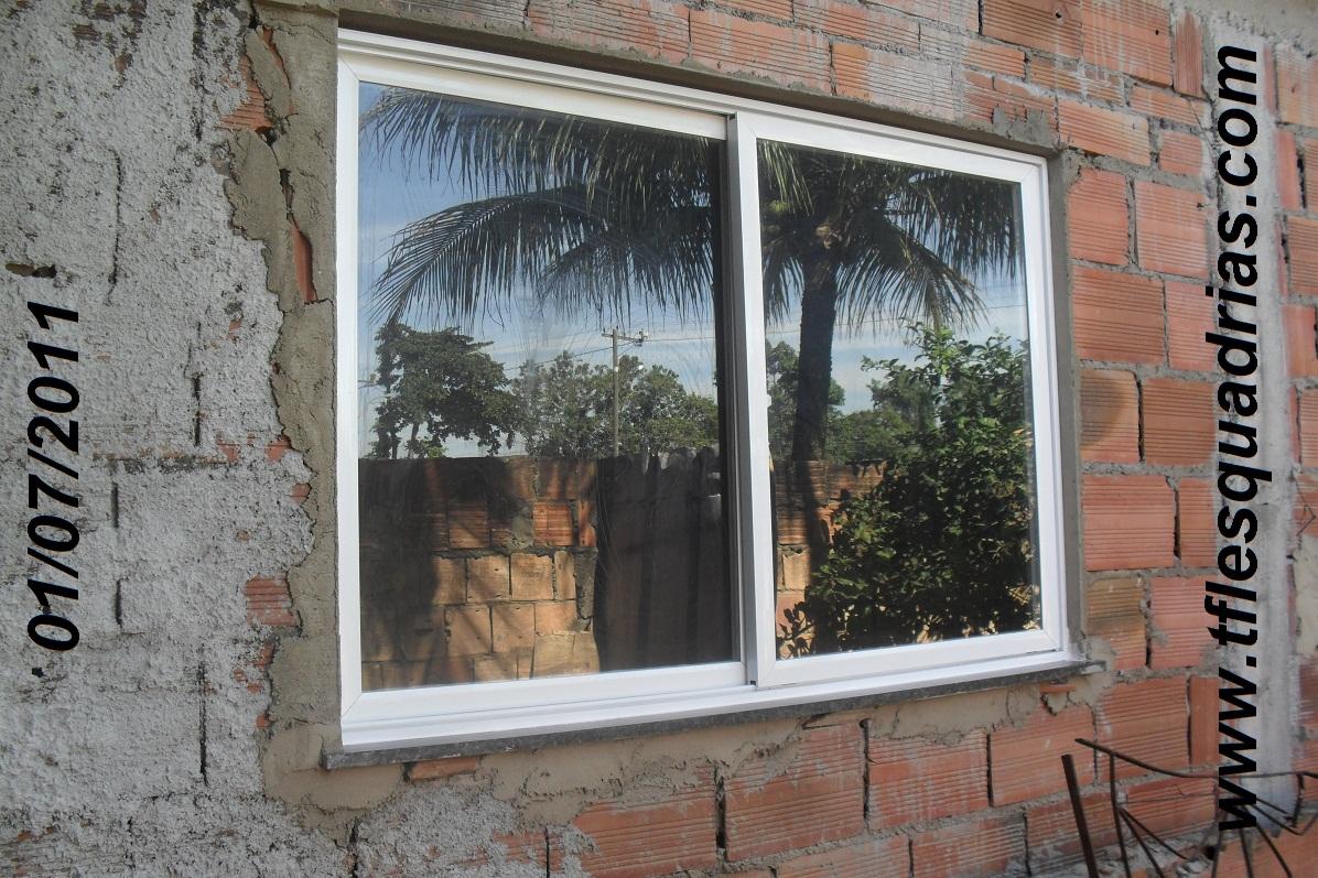 #815C4A TFL ESQUADRIAS DE ALUMÍNIO: Janela 4 Folhas Quadriculada Branca Com  4276 Janela Aluminio Branca 4 Folhas