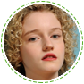 Julia Garner (As Vantagens de Ser Invisível) como Rose Parker