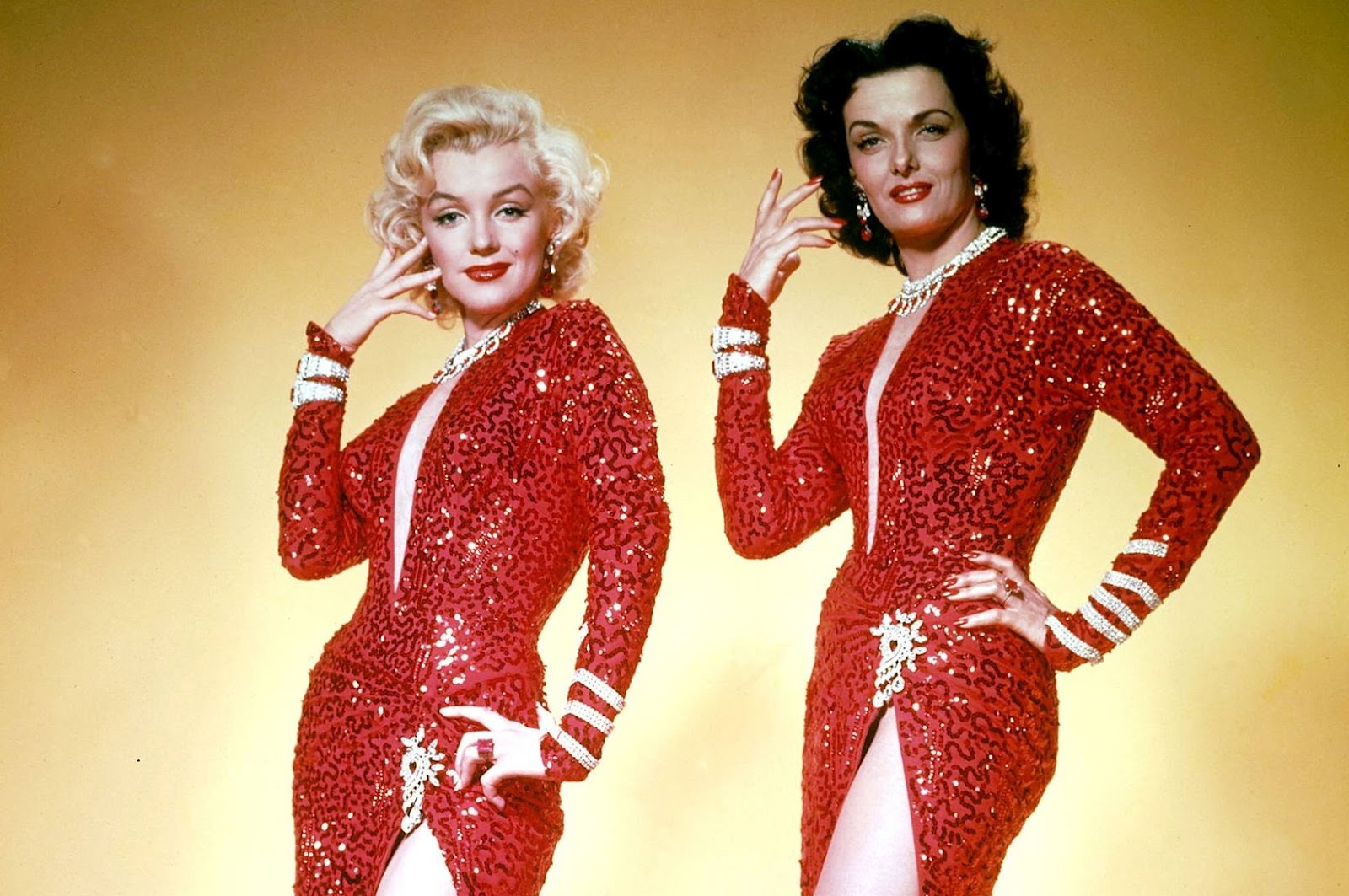 gentlemen prefer blondes essay An essay or paper on the context of women's struggles in gentlemen prefer blondes when it was written in 1925, gentlemen prefer blondes, by anita loos was.