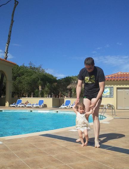 Aujourd 39 hui j 39 ai mes photos de vacances vous for Choupi a la piscine