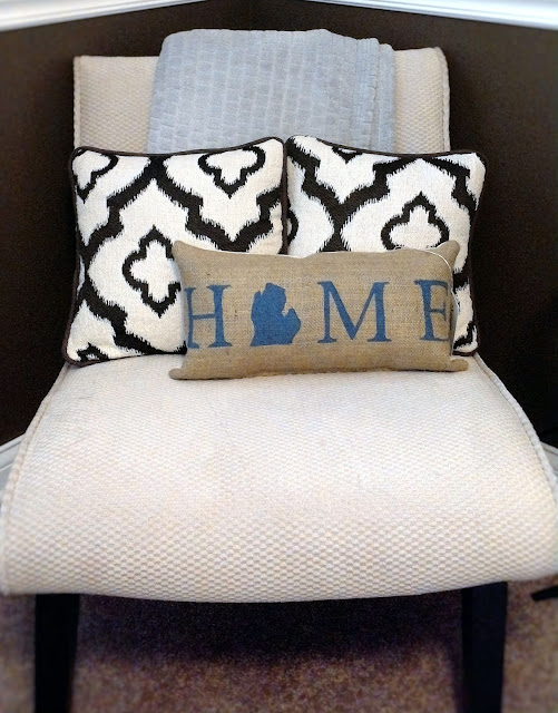 Michigan Home pillow - Lina and Vi